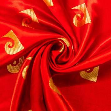 Satin asiatique rouge motif vague dorée