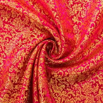 Satin asiatique fuchsia motif arabesque dorée