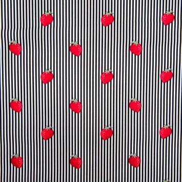 Popeline de coton rayée blanche et noire motif fraise
