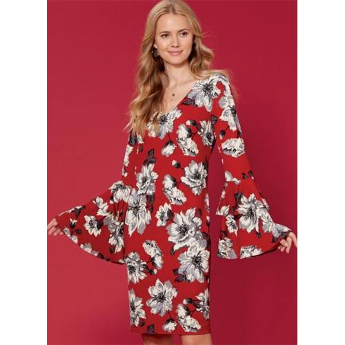 Patron McCall's M7681 : Robes 42-50