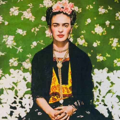 Coupon vert femme fleur blanche 46x43,5 cm