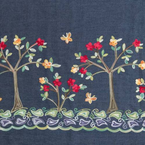 Tissu jean bleu foncé motif arbre à fleur brodé