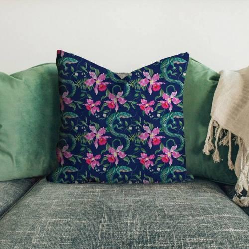 Velours ras bleu marine imprimé lézard et fleur brodé