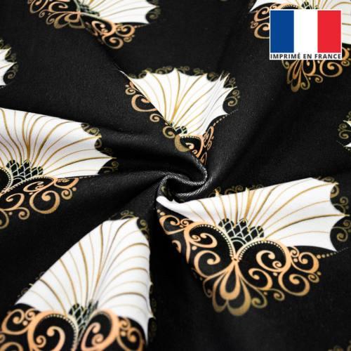 Velours ras noir motif éventail ornemental écru et or