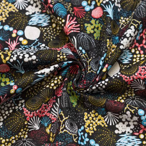 Coton noir motif fond marin et corail bleu rouge jaune