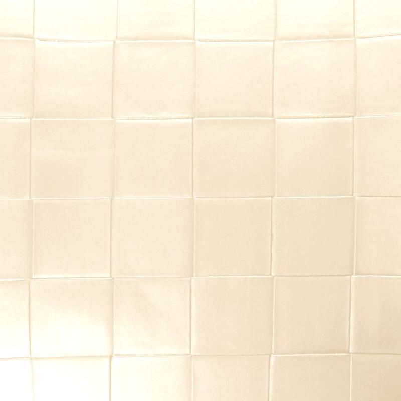 Coupon 50x68 cm - Simili nacré couleur perle à carreaux en relief