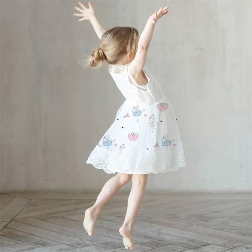 Mousseline crêpe écrue motif danseuse étoile