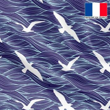 Satin bleu marine motif vague et mouette blanche