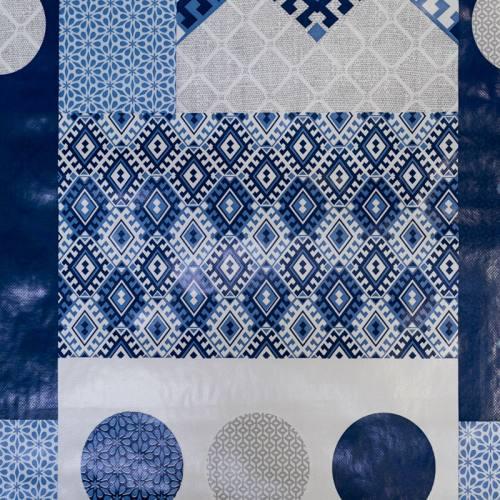 Toile cirée gris clair motif rosace bleue