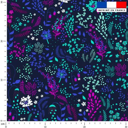Fleurs champêtres violettes bleues et vertes - Fond bleu nuit