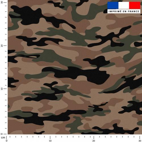 Camouflage vert et noir - Fond marron
