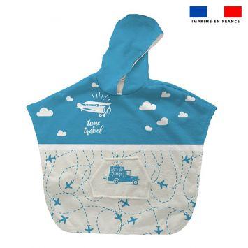 Patron imprimé sur tissu éponge pour poncho de bain motif voyage