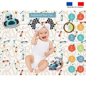 Coupon 100x75 cm pour couverture mensuelle bébé motif course de voiture