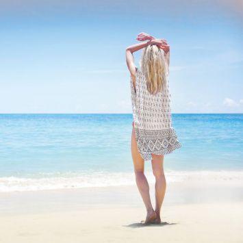 Coupon 135x200 cm de mousseline pour poncho de plage motif ethnique