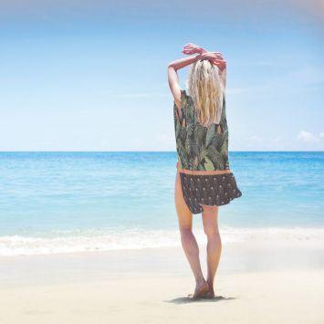 Coupon 135x200 cm de mousseline pour poncho de plage motif jungle