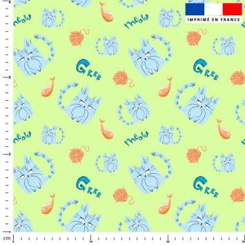 Chat bleu pelote - Fond vert clair