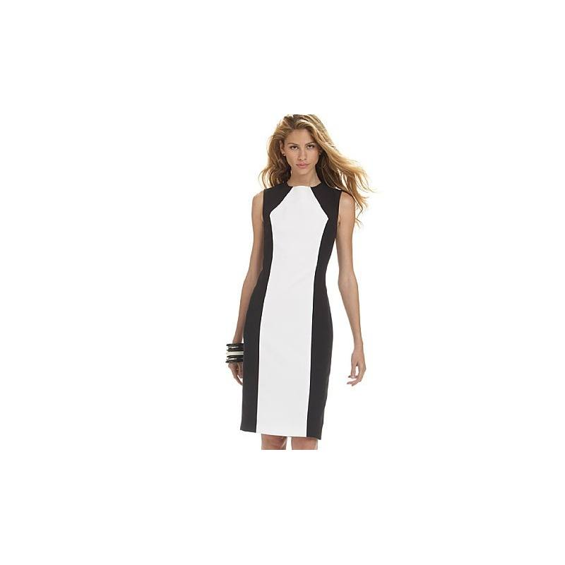 Patrons McCall's M6028 : Robe Taille : 44-50