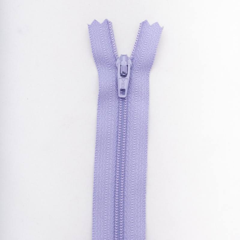 Fermeture 20 cm polyester non séparable violet Col 127