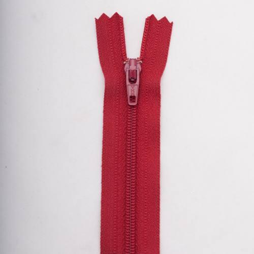 Fermeture 25 cm polyester non séparable bordeaux Col 114
