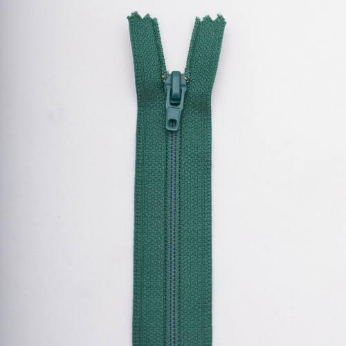 Fermeture 55 cm polyester non séparable vert Col 137