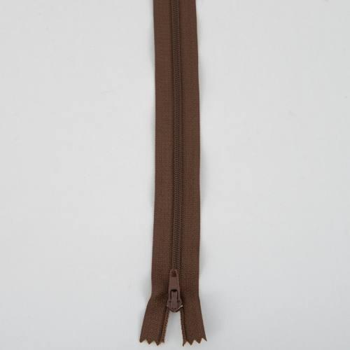 Fermeture 18cm polyester non séparable col 160