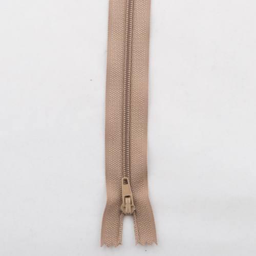Fermeture polyester 60cm non séparable Col 157